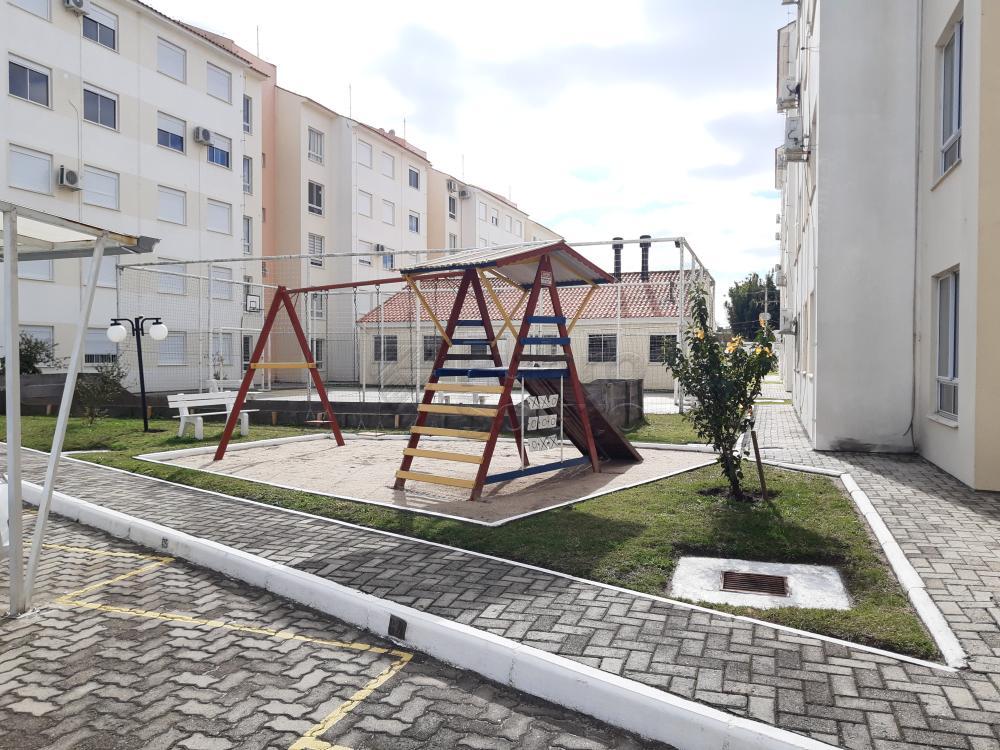 Comprar Apartamento / Padrão em Pelotas R$ 273.000,00 - Foto 4