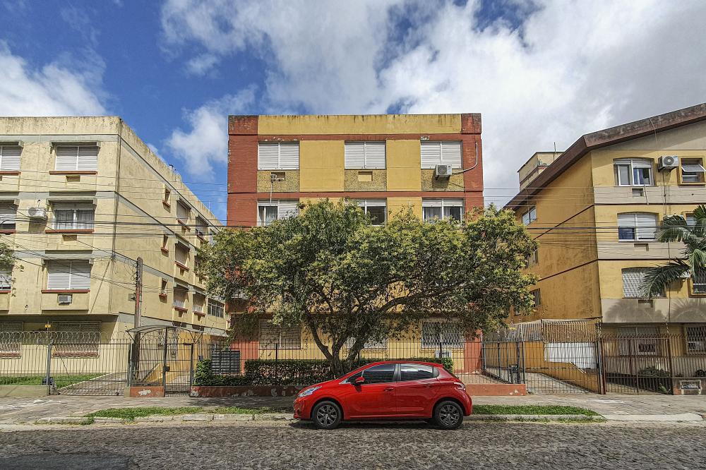 Comprar Apartamento / Padrão em Pelotas R$ 290.000,00 - Foto 1