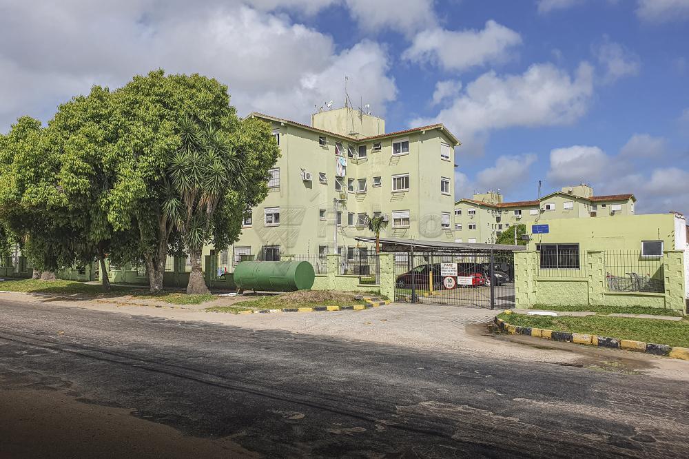 Comprar Apartamento / Padrão em Pelotas R$ 128.000,00 - Foto 1