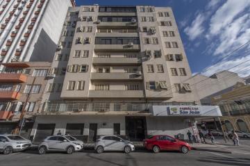 Apartamento no centro na rua General Neto esquina com a rua General Osório, com 3 dormitórios sendo 1 suíte, sacada, sala, cozinha, dependência de empregada,2 banheiros Social, interfone, instalação elétrica nova, agende sua visita!