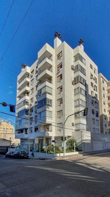 Ótimo apartamento central 3 dormitórios com sacada e churrasqueira.