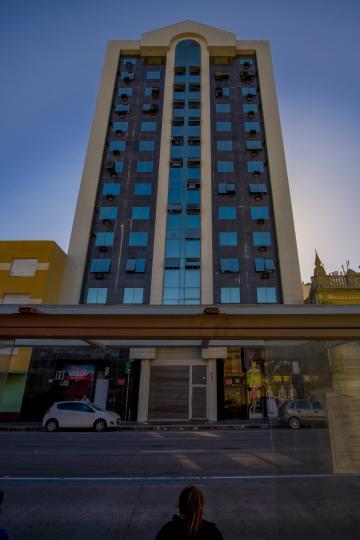 Alugar Comercial / Sala em Condomínio em Pelotas R$ 1.500,00 - Foto 1