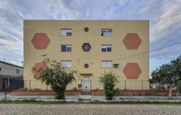 Alugar Apartamento / Padrão em Pelotas. apenas R$ 750,00