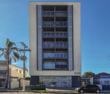 Alugar Apartamento / Padrão em Pelotas. apenas R$ 1.400,00
