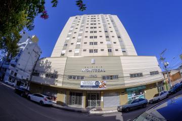 Alugar Apartamento / Padrão em Pelotas. apenas R$ 880,00