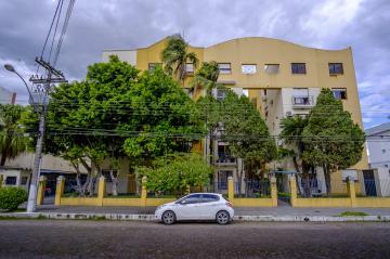 Alugar Apartamento / Padrão em Pelotas R$ 2.500,00 - Foto 1