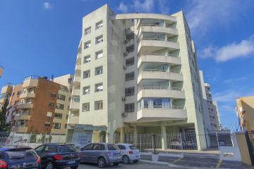 Apartamento impecável nas proximidades da Av. Don Joaquim, 02 dormitórios, 02 banheiros, demais dependências e sacada fechada com churrasqueira.