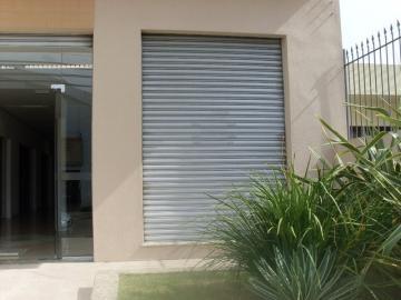 Alugar Comercial / Sala em Condomínio em Pelotas. apenas R$ 1.250,00