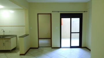 Alugar Apartamento / Padrão em Pelotas. apenas R$ 600,00