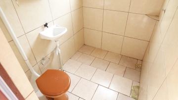 Alugar Casa / Padrão em Pelotas R$ 600,00 - Foto 4