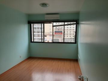 Alugar Apartamento / Padrão em Pelotas. apenas R$ 900,00