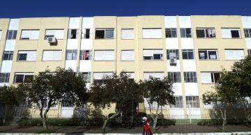 Alugar Apartamento / Kitinete em Pelotas. apenas R$ 710,00