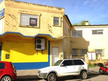 Alugar Apartamento / Fora de Condomínio em Pelotas. apenas R$ 900,00