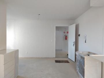Alugar Apartamento / Padrão em Pelotas. apenas R$ 650,00