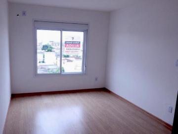 Alugar Casa / Condomínio em Pelotas R$ 900,00 - Foto 3