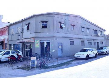 Alugar Casa / Padrão em Pelotas R$ 500,00 - Foto 1