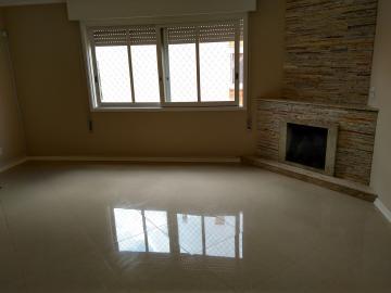 Alugar Apartamento / Padrão em Pelotas. apenas R$ 490.000,00