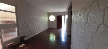 OTIMA CASA NO FRAGATA: De esquina, proximo á escola , rua asfaltada, proximo a Av Duque de Caxias, 03 dorms sendo 01 suite, sala ampla, cozinha, banheiro social, garagem fechada com área de serviço.