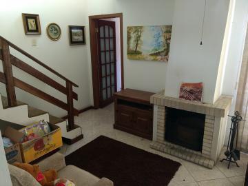 Alugar Casa / Padrão em Pelotas. apenas R$ 340.000,00