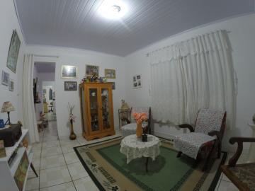 Alugar Casa / Padrão em Pelotas. apenas R$ 220.000,00