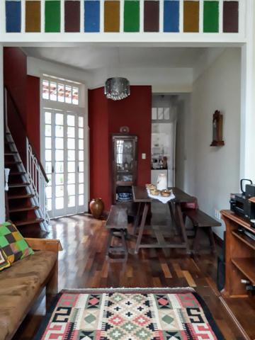 Alugar Casa / Padrão em Pelotas. apenas R$ 478.000,00