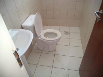 Condomínio Fechado Fragata, Sobrado com 03 dormitórios, sala, cozinha, 02 banheiros, área de serviço, pátio privativo, estacionamento.