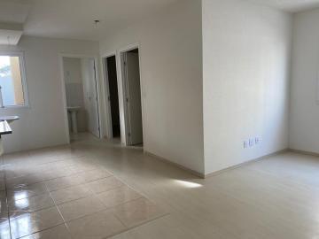 Alugar Apartamento / Padrão em Pelotas. apenas R$ 148.000,00
