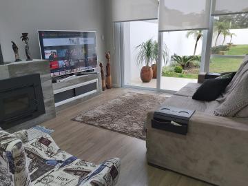 Alugar Casa / Padrão em Pelotas. apenas R$ 1.460.000,00