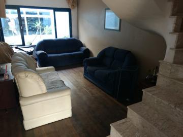 Alugar Casa / Padrão em Pelotas. apenas R$ 490.000,00