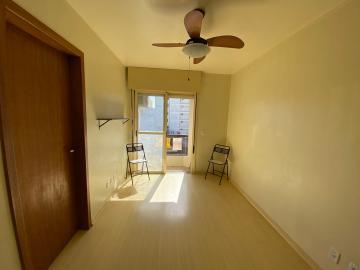 Alugar Apartamento / Padrão em Pelotas. apenas R$ 193.000,00