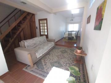 Alugar Casa / Padrão em Pelotas. apenas R$ 290.000,00