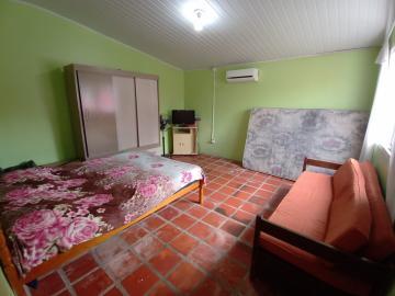Comprar Casa / Padrão em Pelotas R$ 350.000,00 - Foto 2