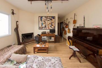 Alugar Casa / Padrão em Pelotas. apenas R$ 440.000,00