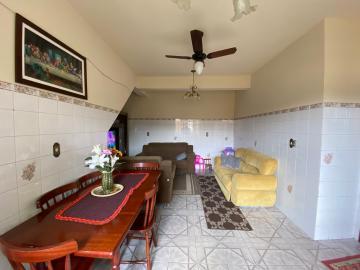 Sobrado na Santa Terezinha próximo a rua São Paulo, 4 dormitórios, suite, sala 02 ambientes, banheiro soial, cozinha, lavanderia, banheiro auxiliar, ampla garagem para 8 carros, podendo acomodar trailer ou micro-onibus, churrasqueira