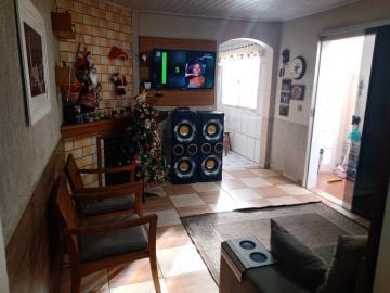 Alugar Casa / Padrão em Pelotas. apenas R$ 296.800,00