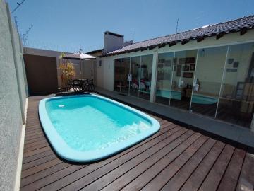 Alugar Casa / Padrão em Pelotas. apenas R$ 669.000,00