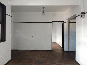 Alugar Apartamento / Padrão em Pelotas. apenas R$ 1.100,00
