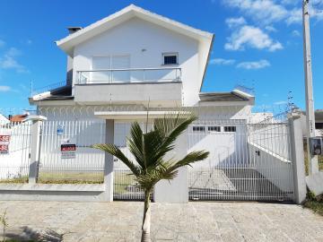 Alugar Casa / Padrão em Pelotas. apenas R$ 3.800,00
