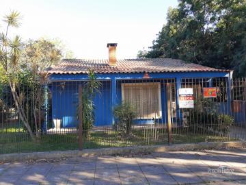 Alugar Casa / Padrão em Pelotas. apenas R$ 2.500,00