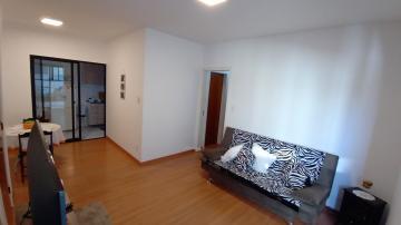 Alugar Apartamento / Padrão em Pelotas. apenas R$ 1.850,00