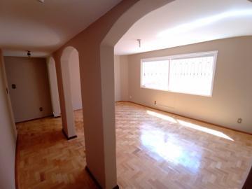 Alugar Apartamento / Padrão em Pelotas. apenas R$ 1.200,00
