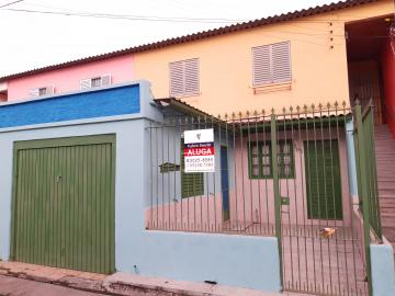Alugar Apartamento / Fora de Condomínio em Pelotas. apenas R$ 1.100,00