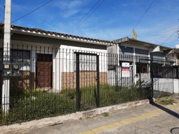 Alugar Casa / Padrão em Pelotas. apenas R$ 2.200,00