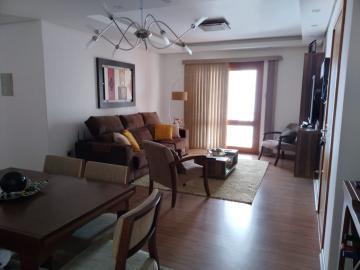 Alugar Apartamento / Padrão em Pelotas. apenas R$ 1.950,00