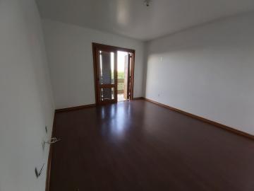 Alugar Apartamento / Padrão em Pelotas. apenas R$ 3.000,00