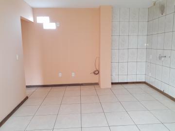 Alugar Casa / Padrão em Pelotas. apenas R$ 700,00