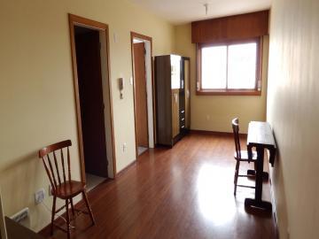 Alugar Apartamento / Kitinete em Pelotas. apenas R$ 750,00