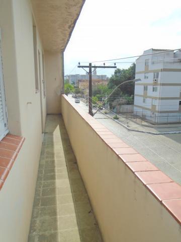Alugar Apartamento / Padrão em Pelotas. apenas R$ 700,00