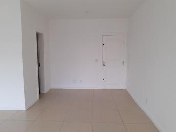 Alugar Comercial / Sala em Condomínio em Pelotas. apenas R$ 1.900,00