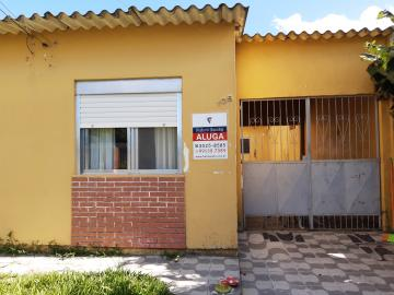 Casa mobiliada no bairro Areal.